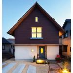 箱形の洗練デザインに窓と木製フェンスでやさしさを|施工事例20
